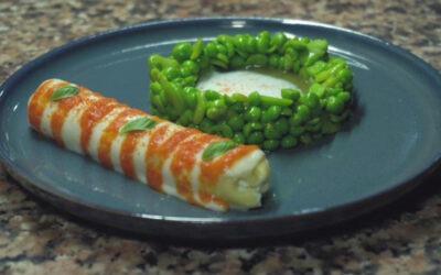 Cannolo di pasta fresca, con fave, piselli  e spuma di mozzarella.